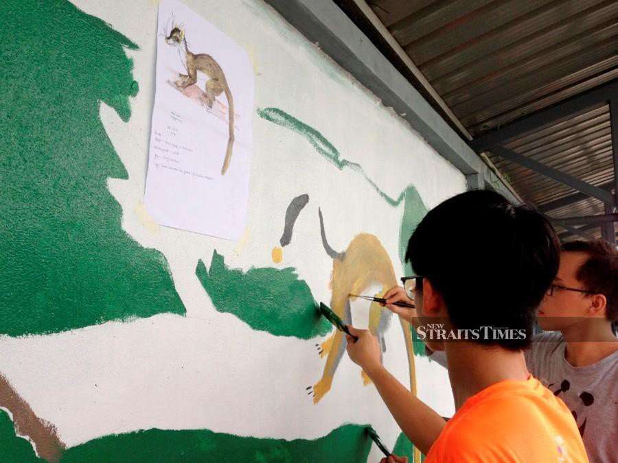 SMK Green Road takes to school wall to promote wildlife conservation
