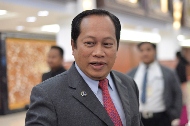 Ahmad Maslan, Shahrir Samad to be charged with money laundering offences tomorrow