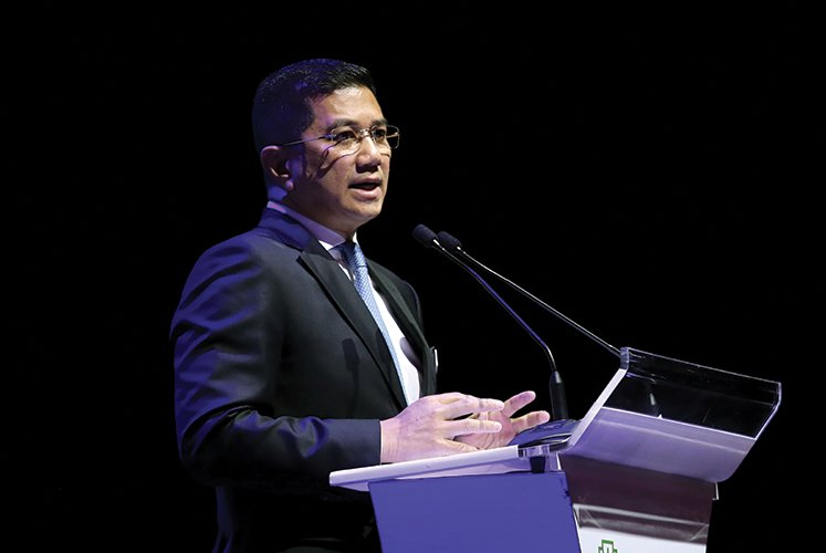 Ties with all leaders are good — Mohamed Azmin