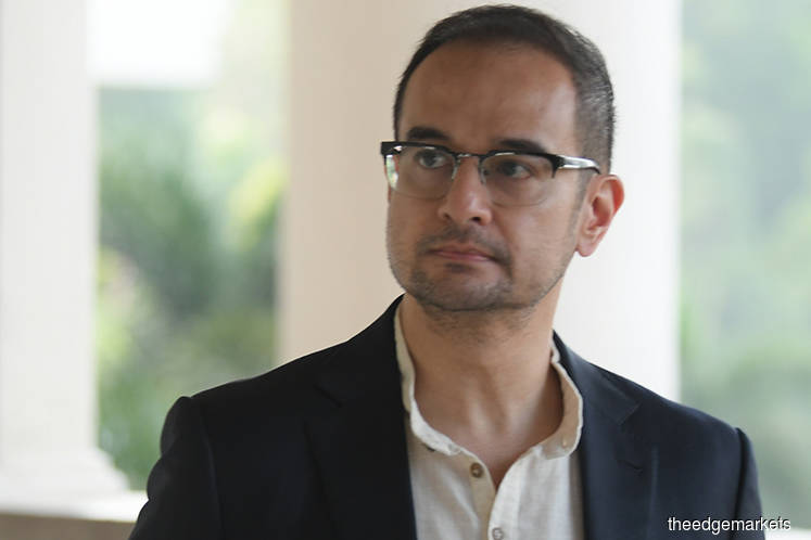 Riza Aziz seeks representation to get charges against him dropped