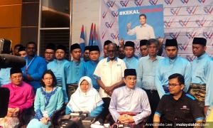 Azmin: PKR leaders will defend Anwar against 'gutter politics'