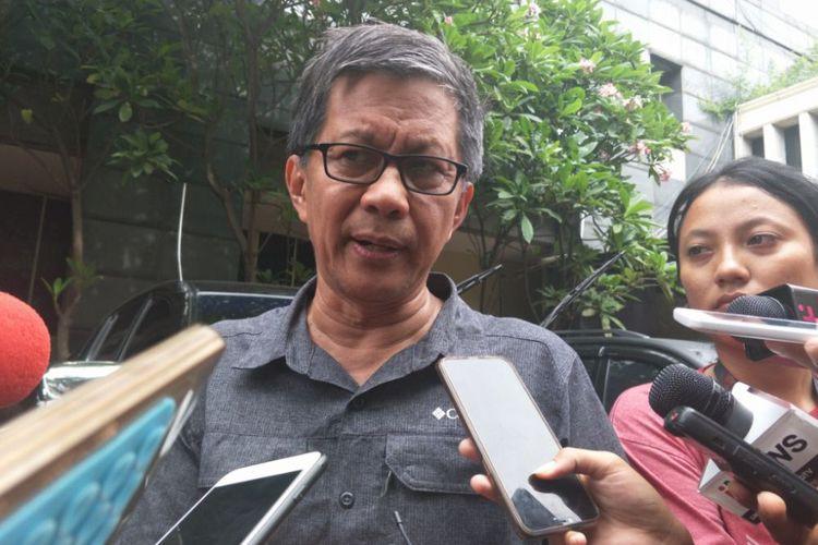 Be careful, presidential spokesman tells Jokowi's critics