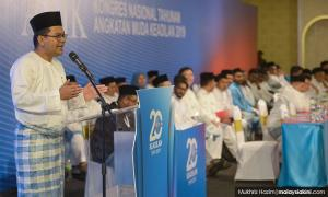 After morning ruckus, PKR Youth closes with focus on poor meeting attendance