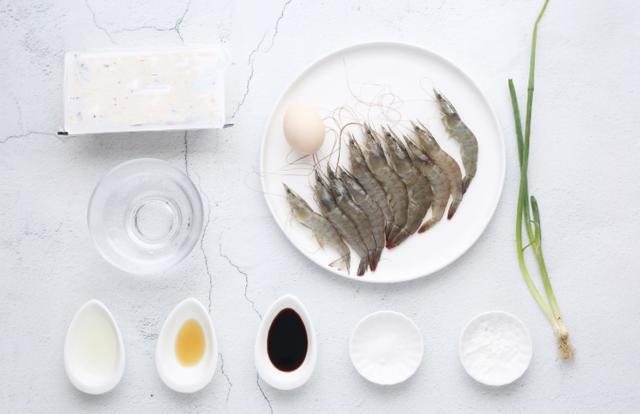 1块豆腐,几只虾,加1个鸡蛋,几分钟做出营养的辅食,宝妈都学学