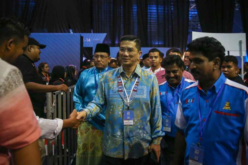 Azmin: Meeting with Anwar was to seek guidance to resolve fundamental party issues