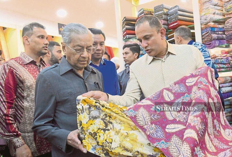 Dr M to Malay entrepreneurs: Think big