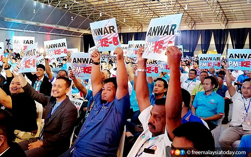 Last day of PKR congress kicks off with song on 'true friends'