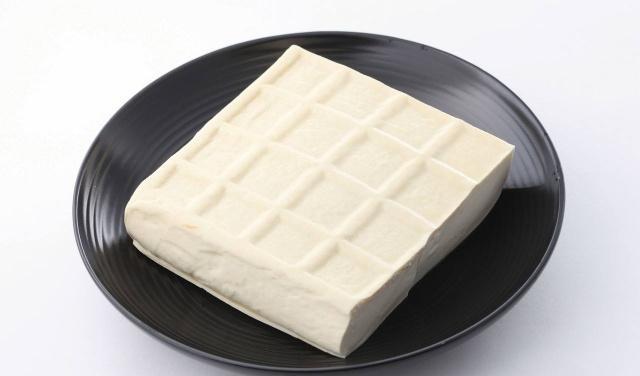买豆腐时,看到这2种扭头走就对了,豆腐摊老板:从不让家人吃
