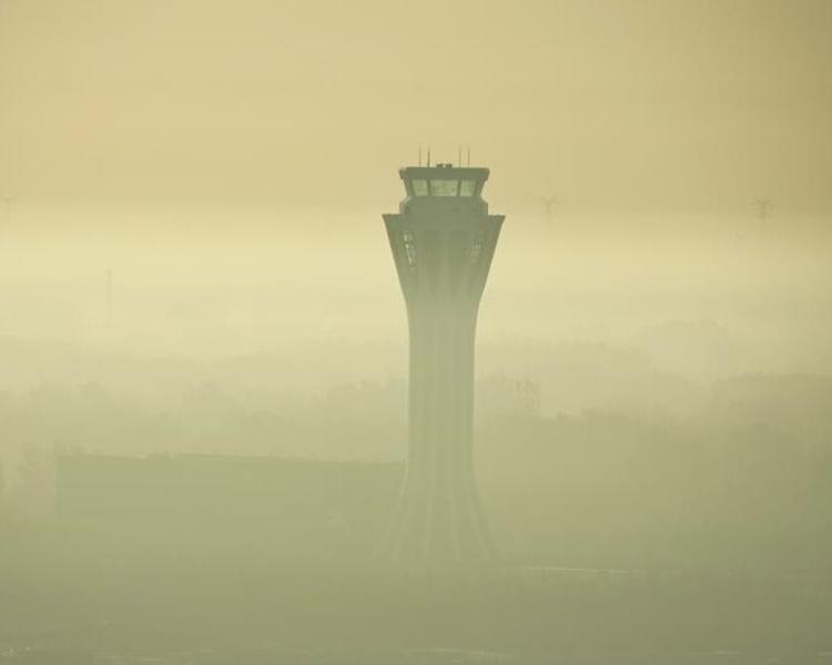京津发布大雾黄色预警 航空交通大受影响