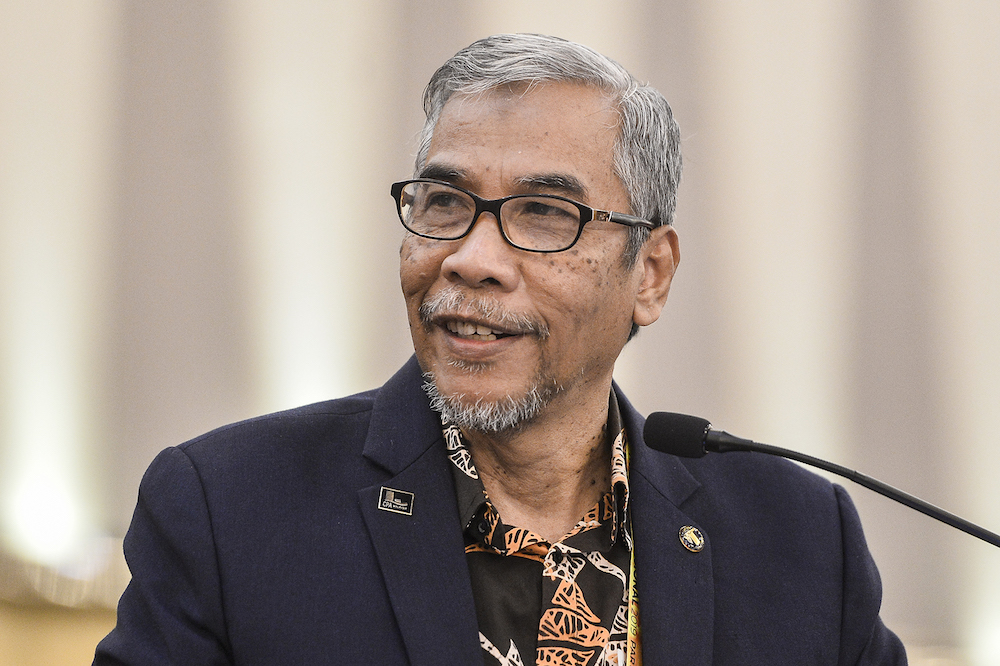 Amanah leader: Assume bad news about Pakatan is fake until proven otherwise
