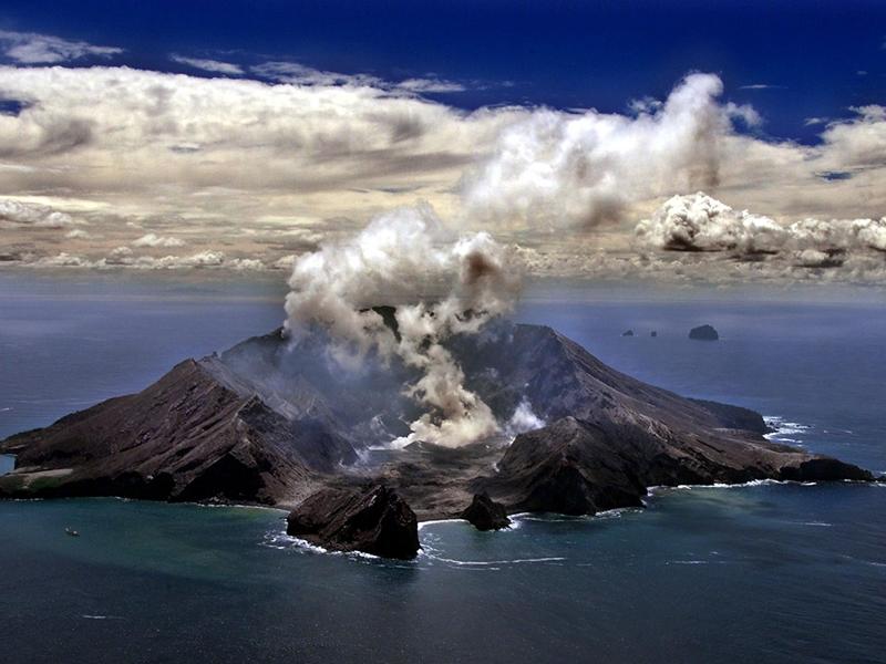 新西兰怀特岛火山爆发 暂无接获港团滞留当地报告