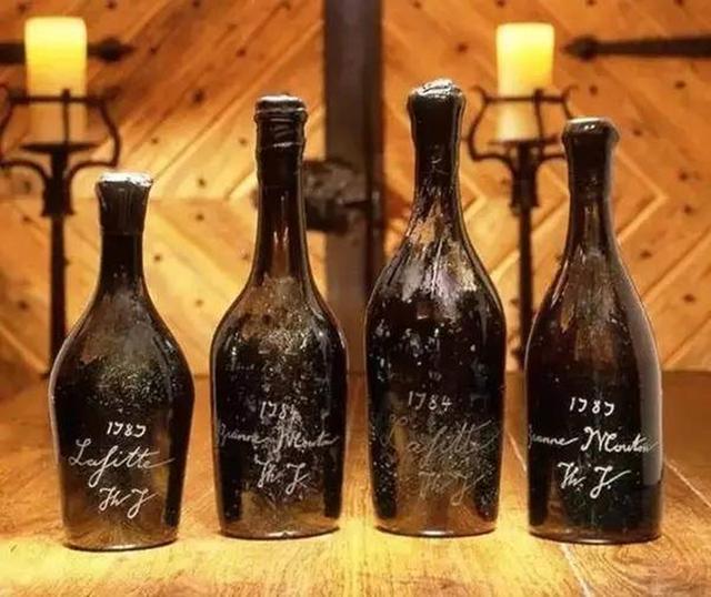 服务生宴会上失手打碎了一瓶珍藏红酒,保险赔付了一百多万