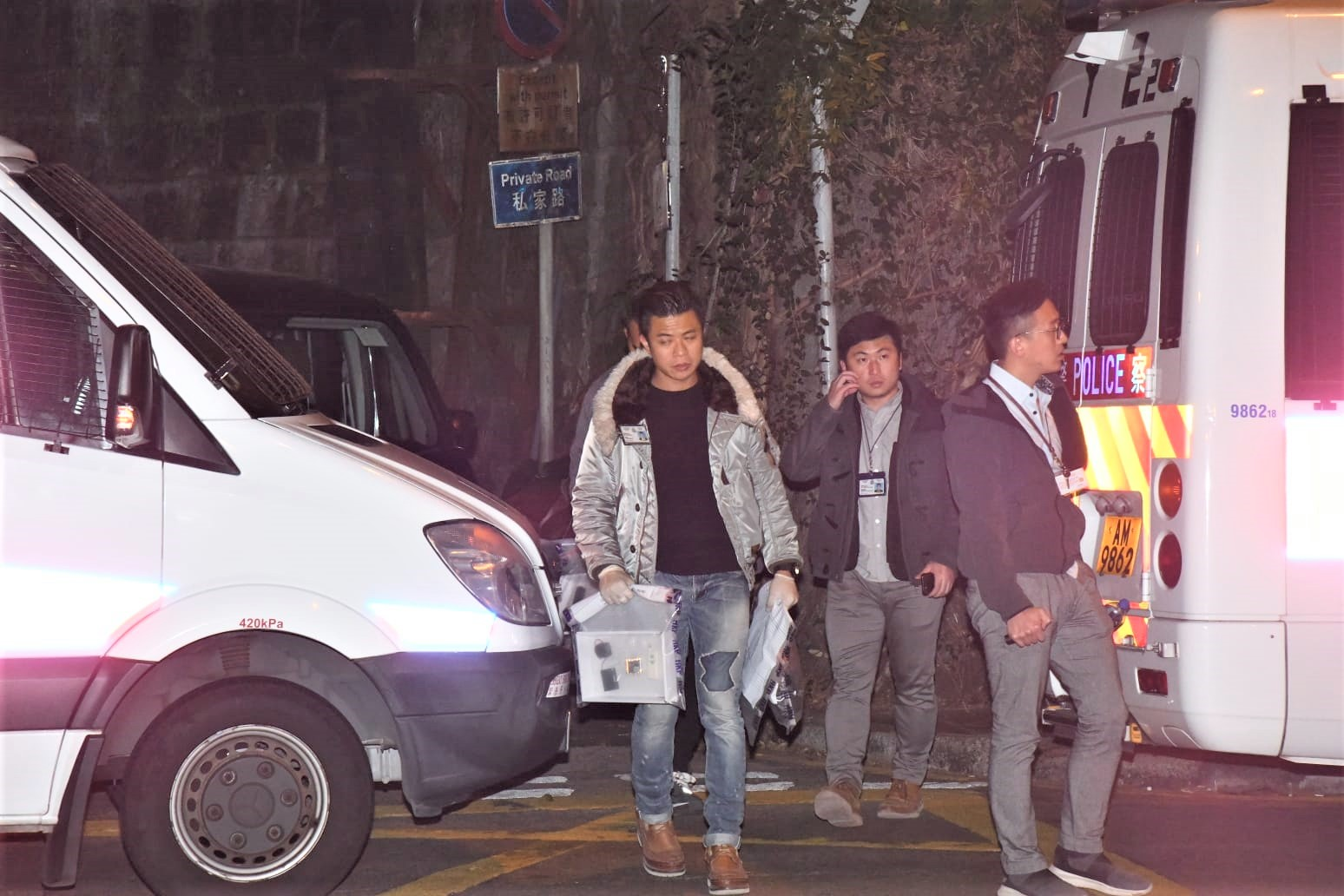 港华发现爆炸品 校方:无证据显示与师生有关