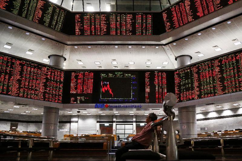 能源股大涨 马股半天交易量破88亿股
