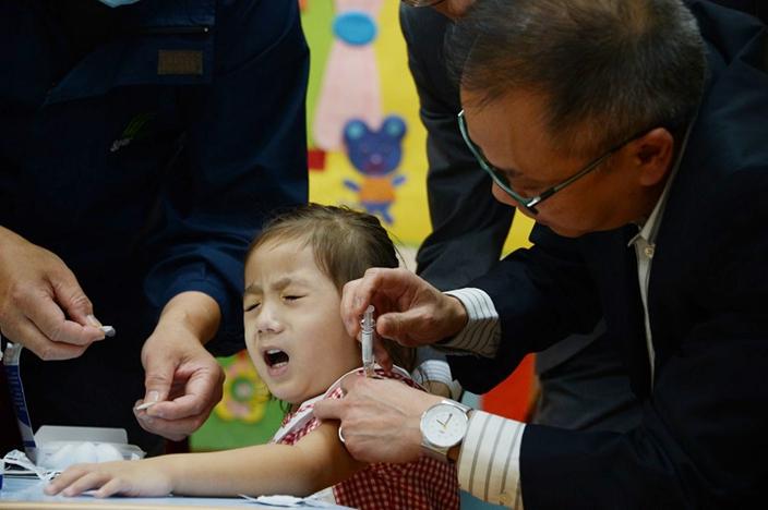 22.9万名儿童已接种流感疫苗 衞生署:会续检讨喷鼻式疫苗成效