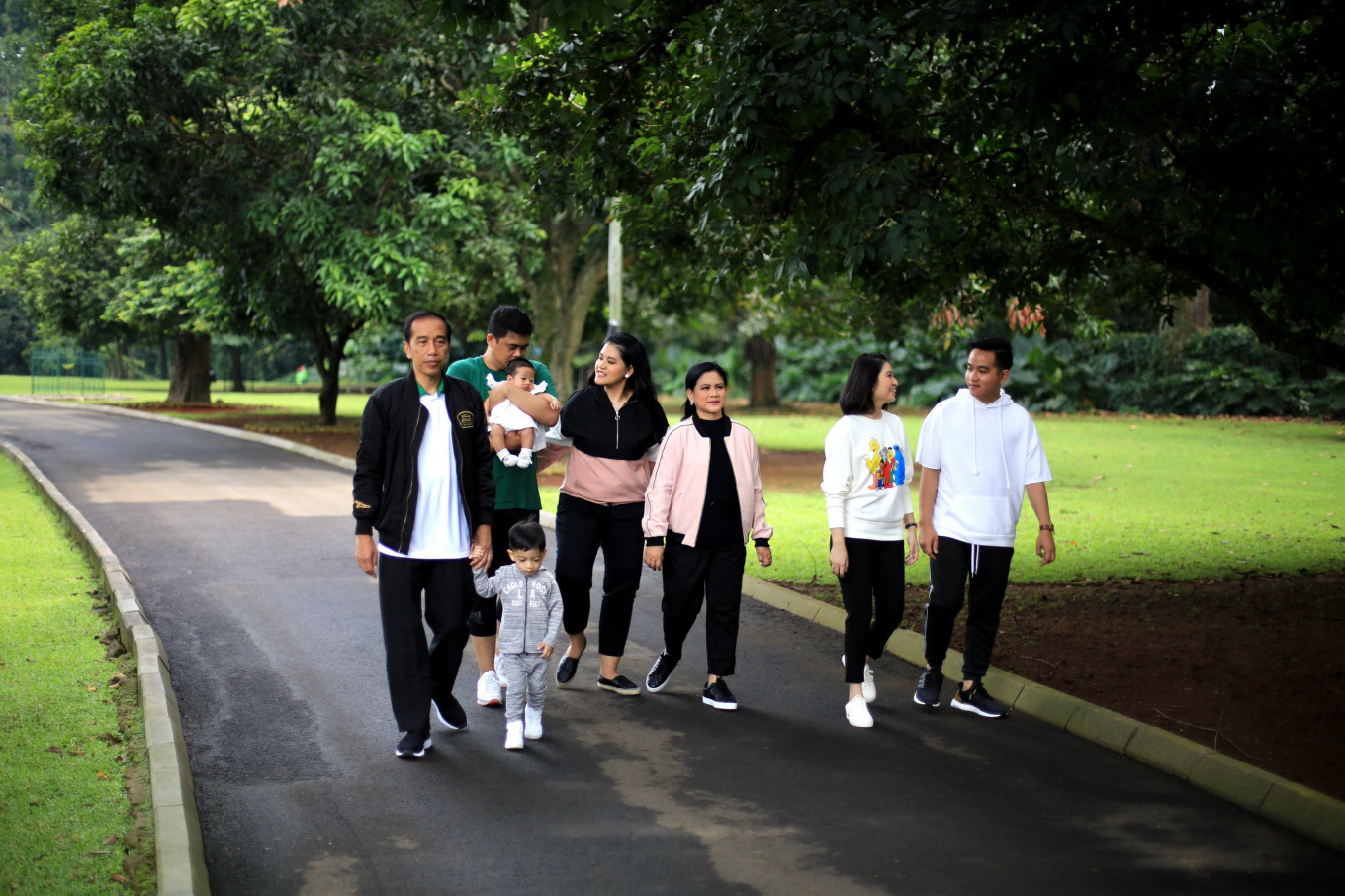 Jokowi vows he 'won't be campaigning' for son, son-in-law in upcoming mayoral races