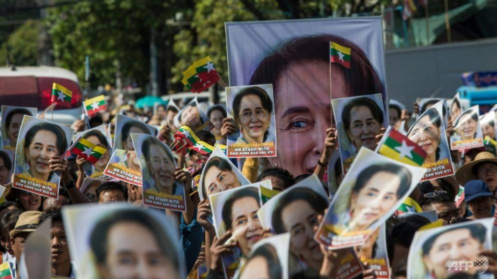 In Myanmar park, crowds gather to support Suu Kyi in Rohingya genocide hearings