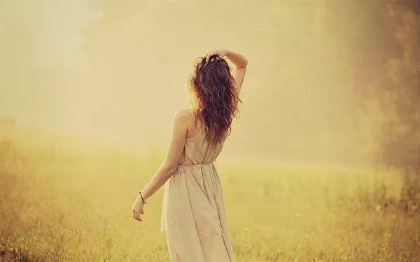 北大女生为爱自杀:你所认为的爱情,在渣男眼中一文不值!