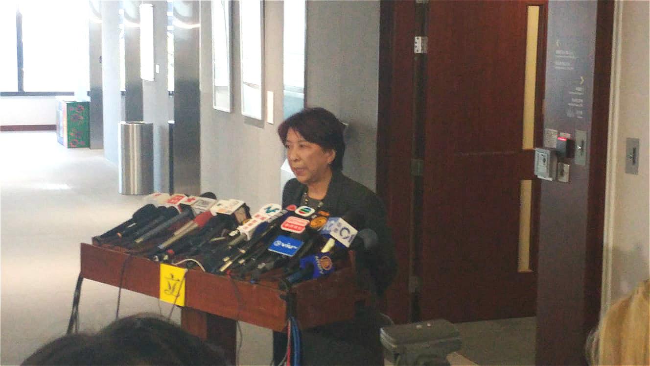 内会第10次开会蒋丽芸曾佔据主席位 批反对派拖延选主席