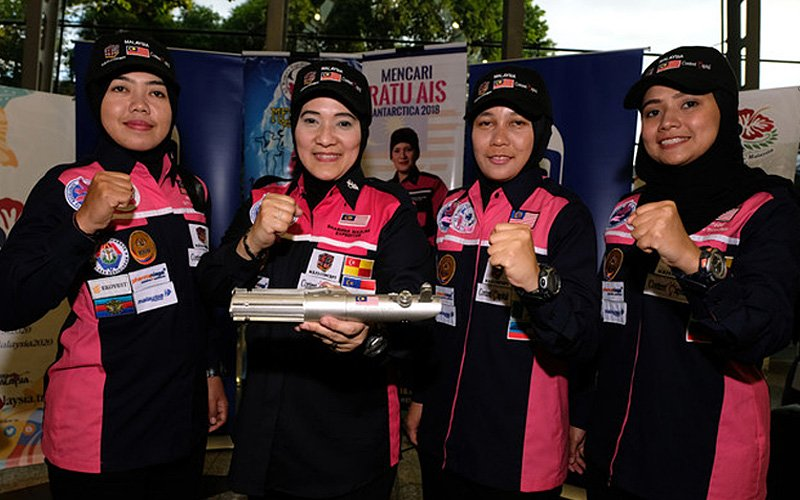 Malaysia's 'ice queens' enter Antarctica to retrieve time capsule
