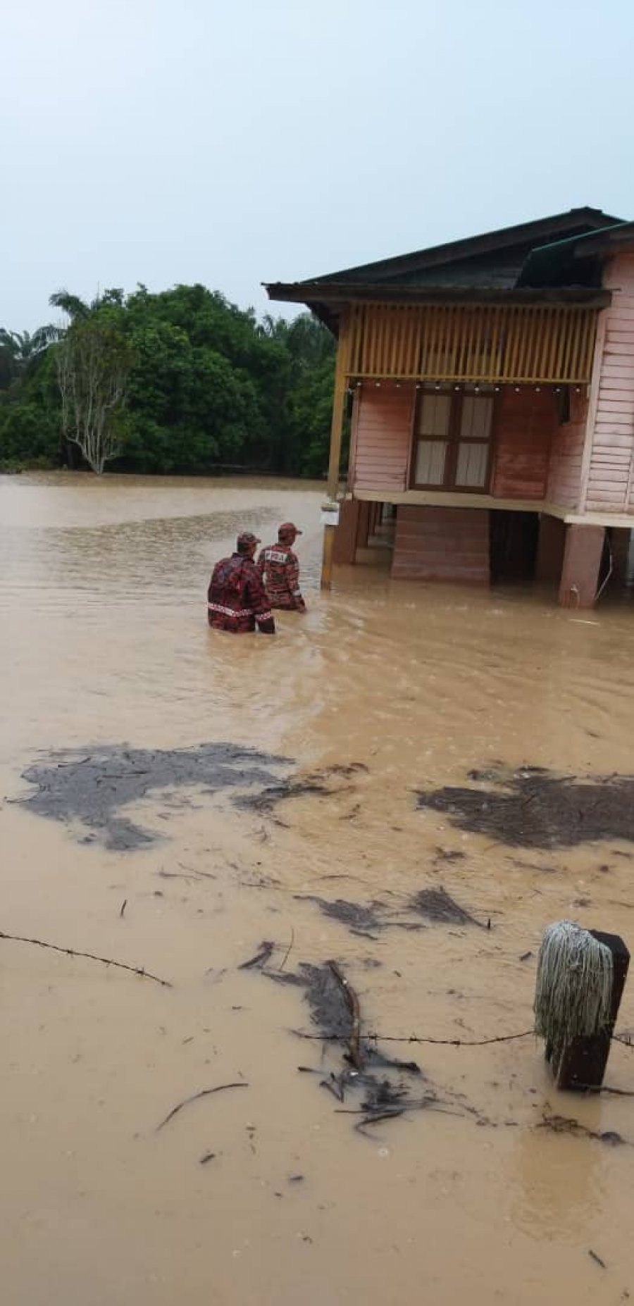 连夜长命雨来袭 柔州多地传水患