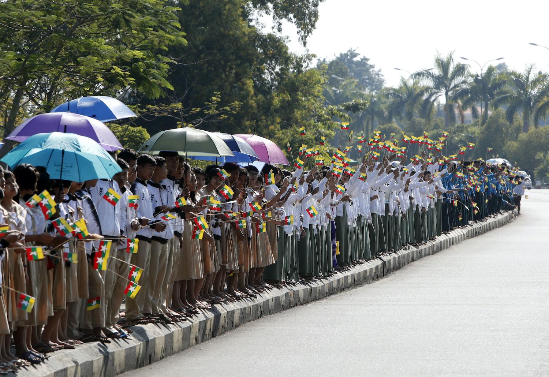 Thousands hail Suu Kyi on return to Myanmar