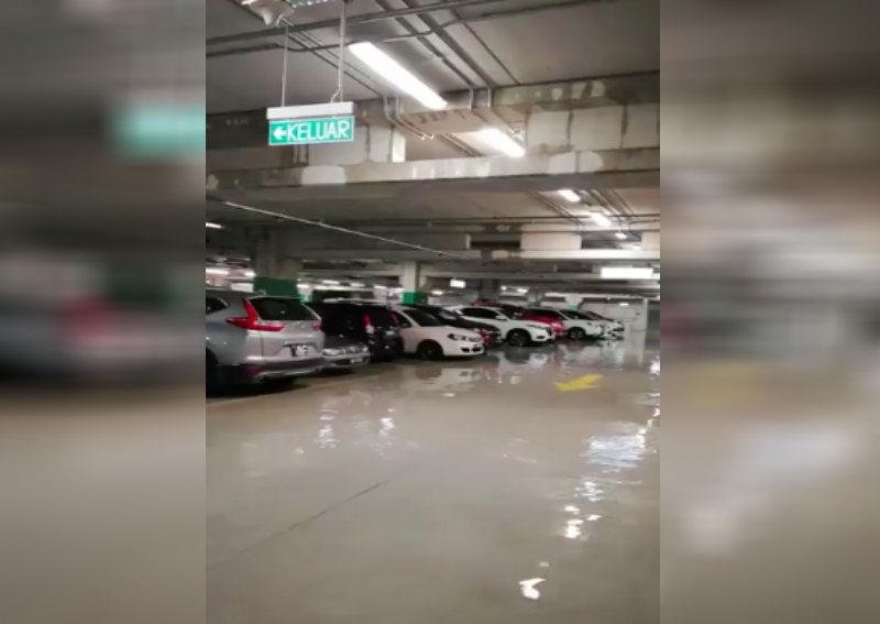 Downpour in KL leads to flood in Ikea carpark