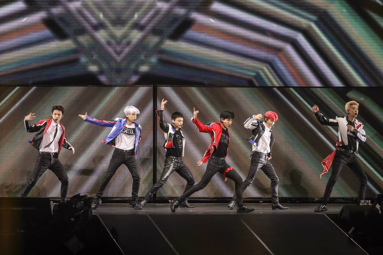 K-pop act EXO wows 10,000 fans at KL show
