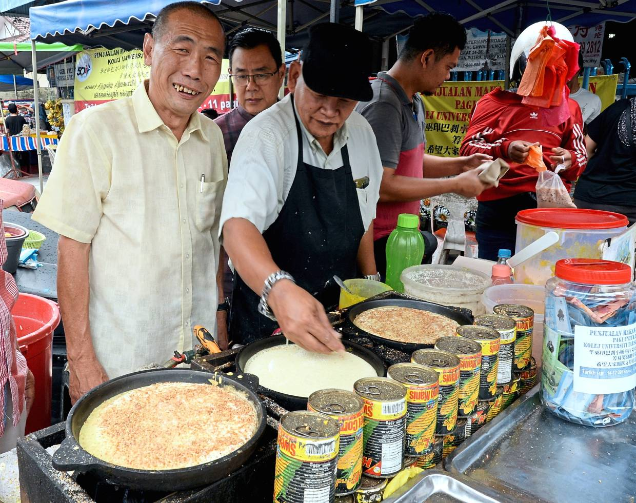 Market traders unite for common cause