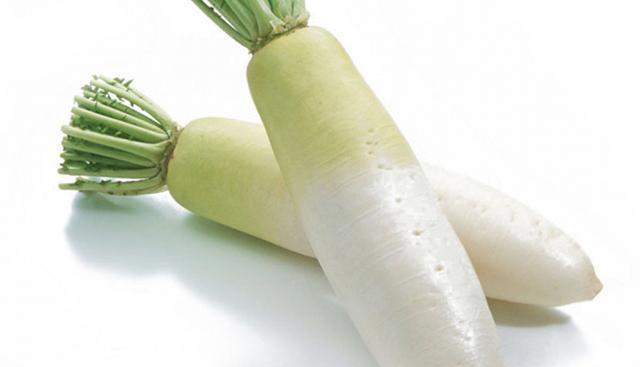 一个萝卜,一根腊肠,简单一做,比蔬菜丸子还好吃,一学就会