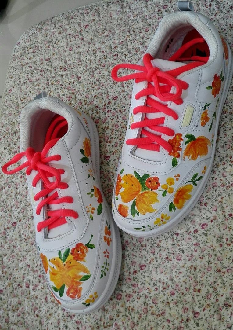 白鞋添画 自成一格