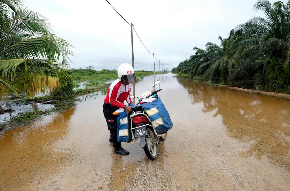 Terengganu hit by floods again, one found drowned in Kelantan