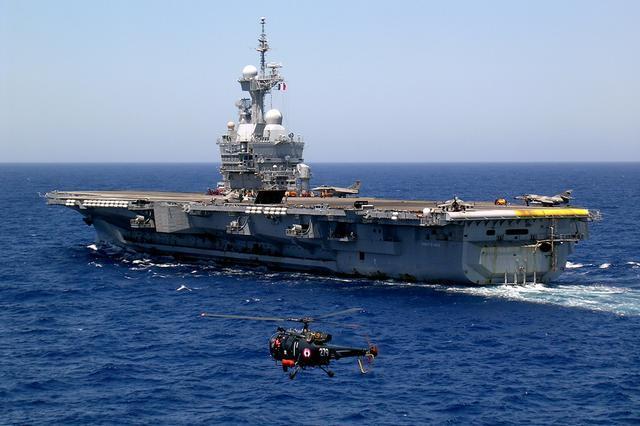 印度国产航母进度比不过中国,但并不服气,要更早造出核动力航母