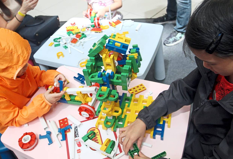 Festive block town built to spark kids' imagination