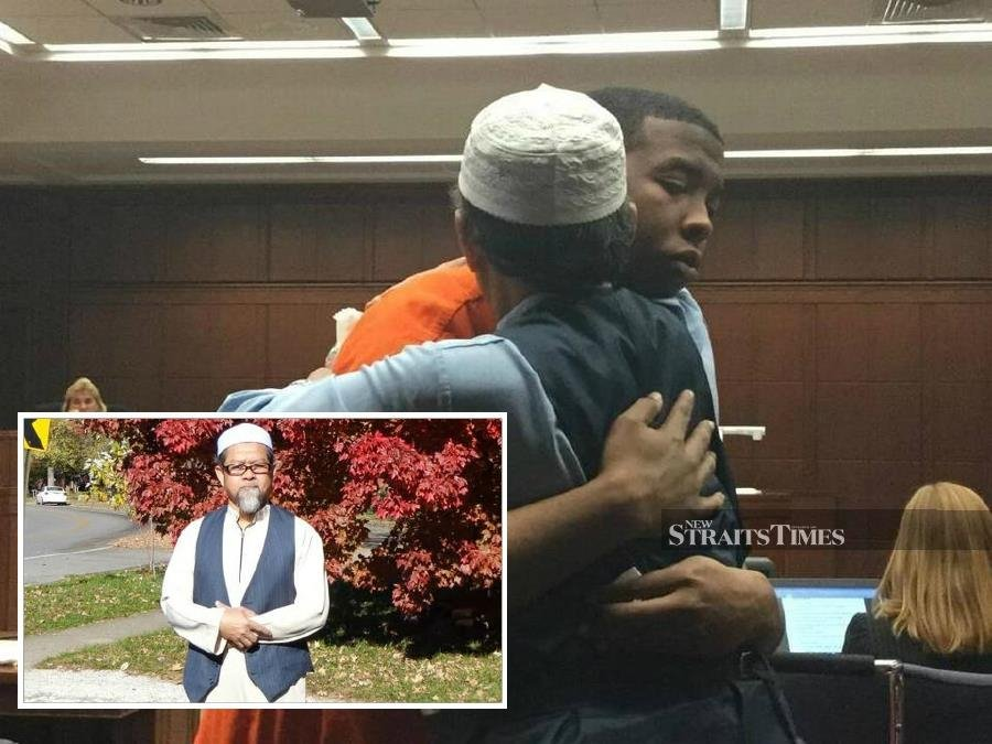 Forgiving US father receives Malaysia's Compassionate Icon award