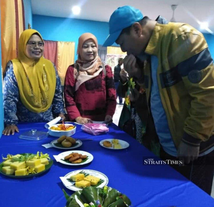 Kg Sri Meranti holds telematch to get mind off flood woes