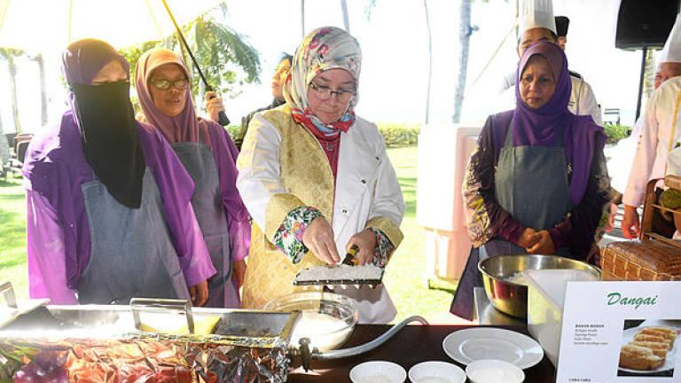 Raja Permaisuri urges associations to work together to empower women