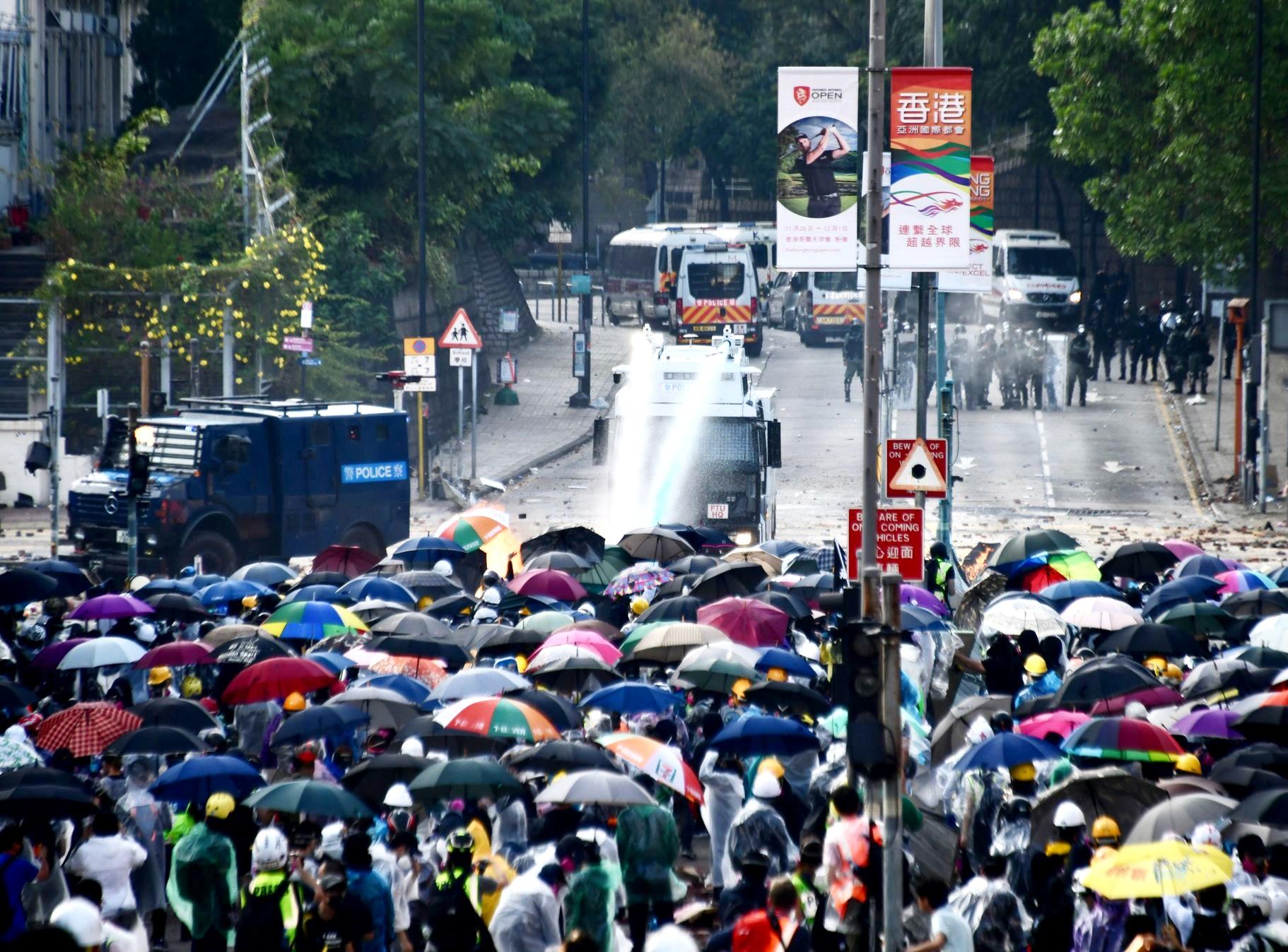 【修例风波】「be water」成年度字词 《金融时报》:理念影响全球示威