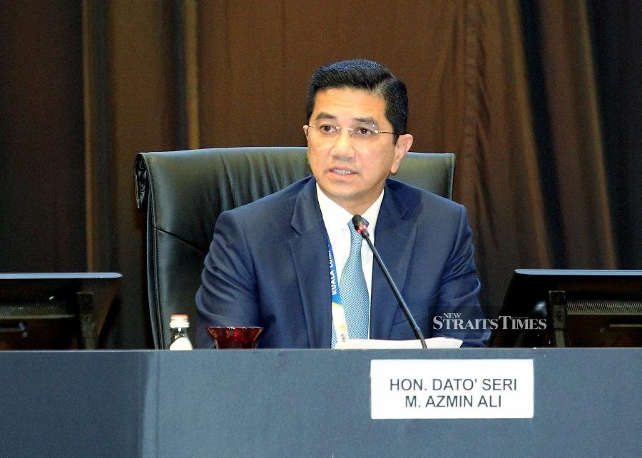 Reject bigotry, extremism and intolerance, says Azmin