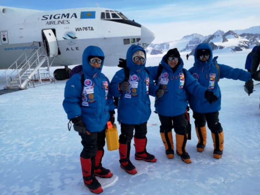 While Santa is in North Pole, all-women Msian expedition team reaches South Pole