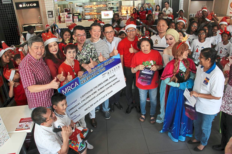 Retail body shares festive joy with children