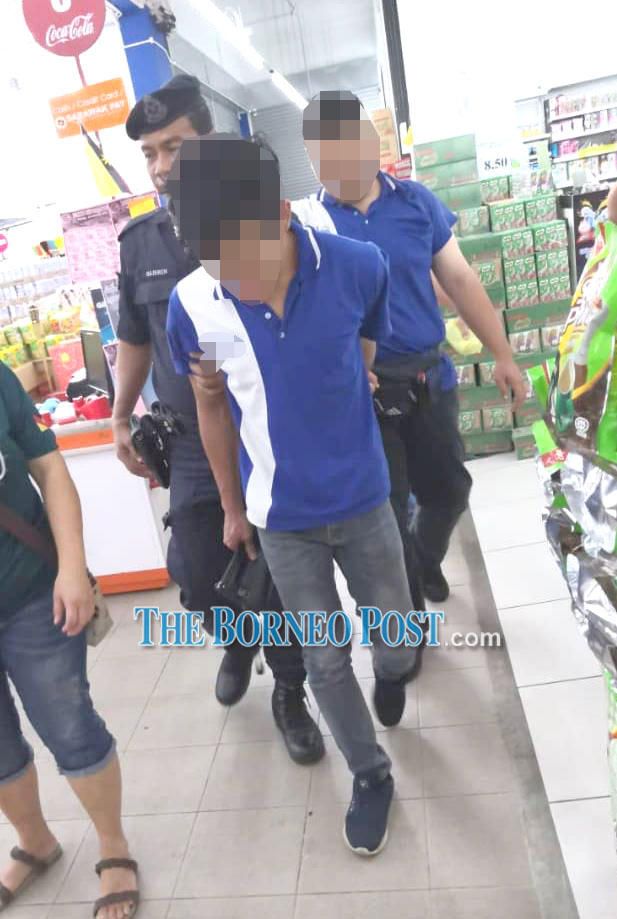 Supermarket workers nabbed for alleged collusion in chicken theft