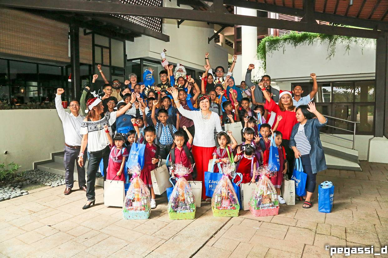 Hotel honours NGO's work for children at Christmas luncheon