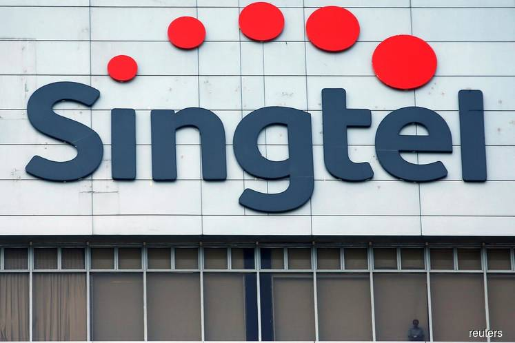 Grab to team up with Singtel for Singapore digital bank licence