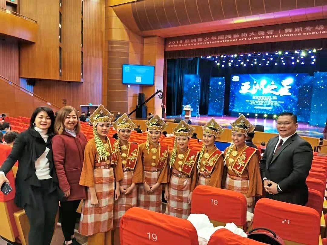 Malaysian girls shine in China dance competition