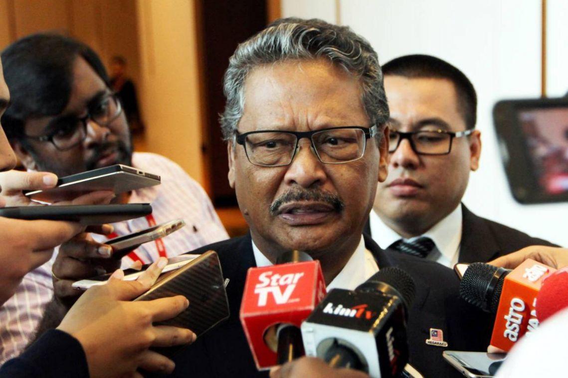 Umno infighting heats up after disciplinary meeting to probe Hishammuddin dropped