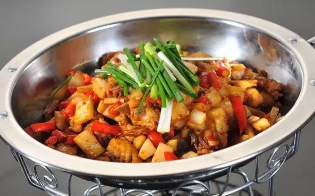 今天家庭聚餐我露一手,做这几道菜吧:大肠,豆腐,鸡,鱼