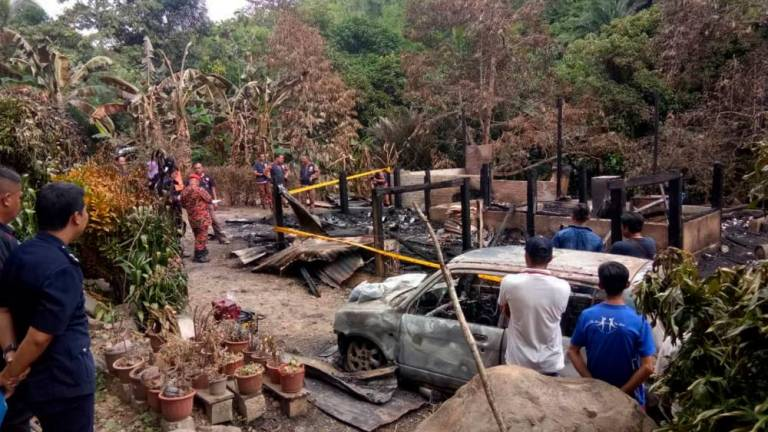 Tenom fire: Five family members buried together