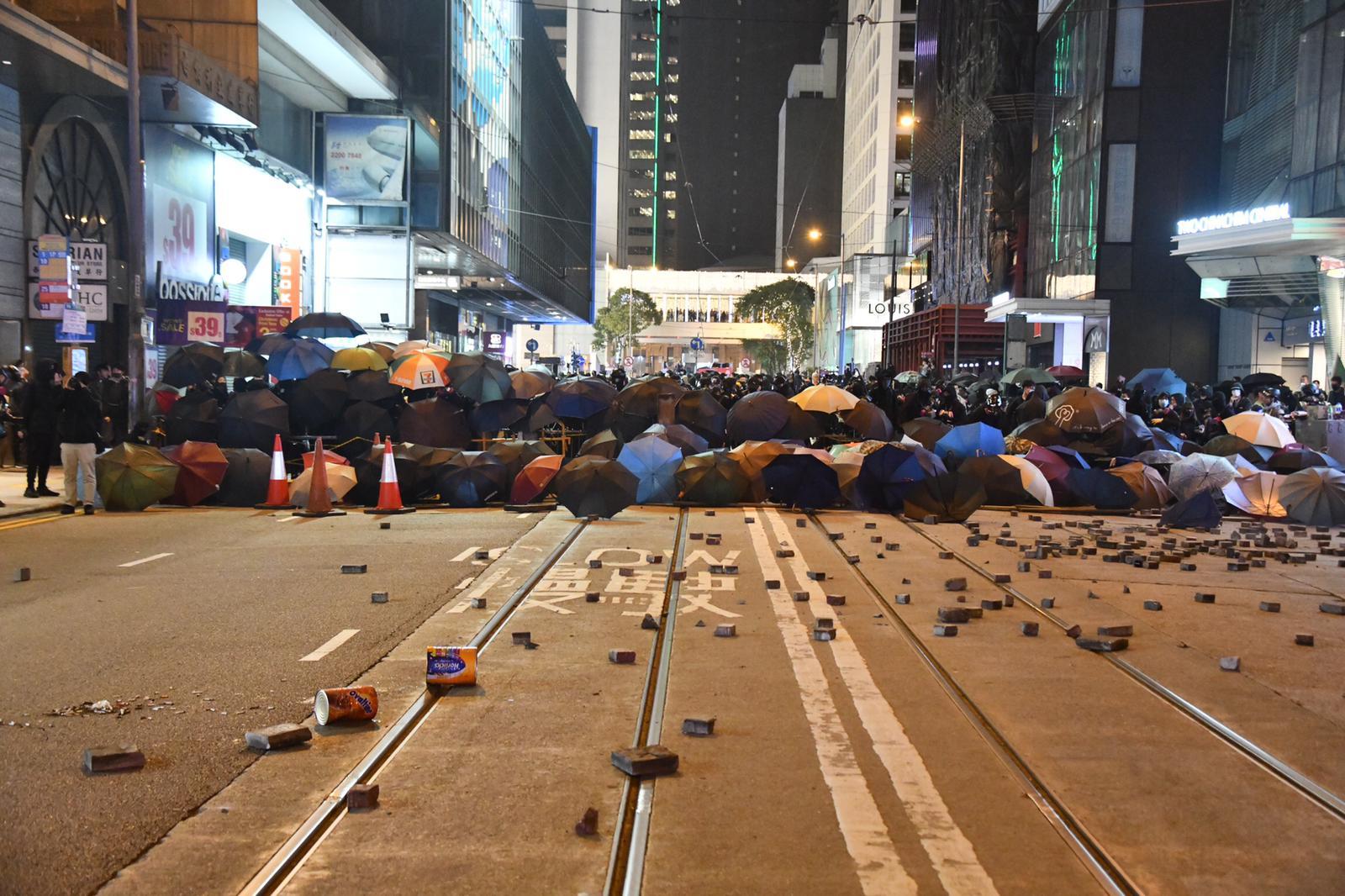 【修例风波】周日游行上诉被驳回 警方指早前有勇武份子渗入民阵活动