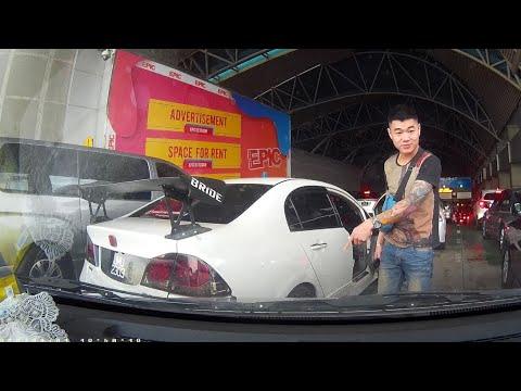 malaysia Honda civic damaged camcar at johor custom immigration checkpoint